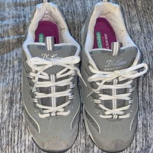 Like New Sketcher D' Lites Sneakers  Size 8